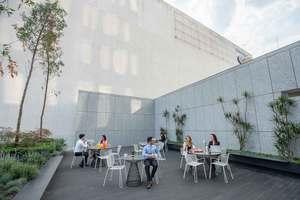 Terraza-Renta-de-oficinas-IOS-OFFICES-Corporativo-Condesa
