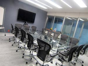 Renta-sala-de-Juntas-IOS-OFFICES-Punta-Santa-Fe