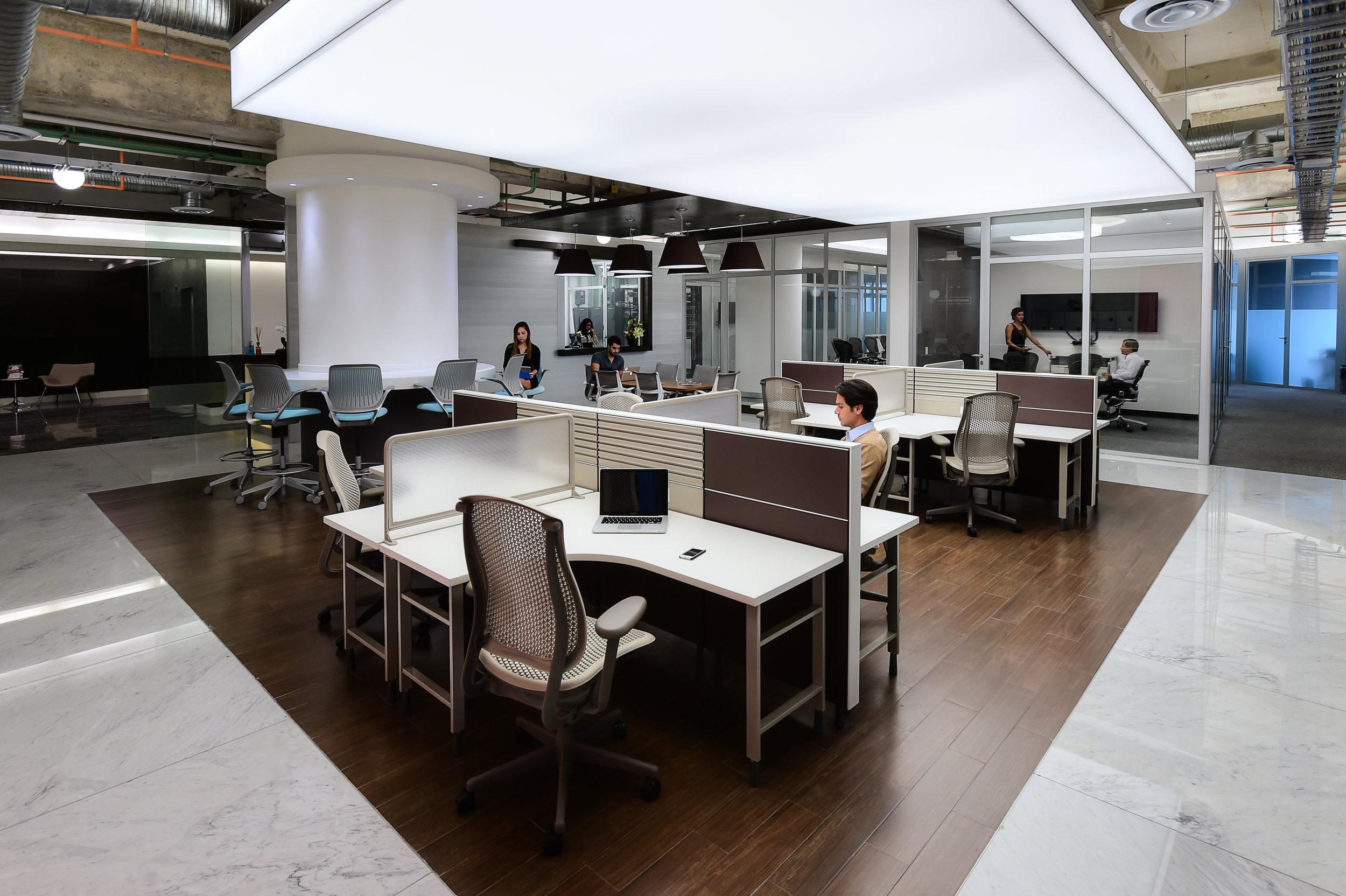Renta-de-oficinas-IOS-OFFICES-Malecon-Americas