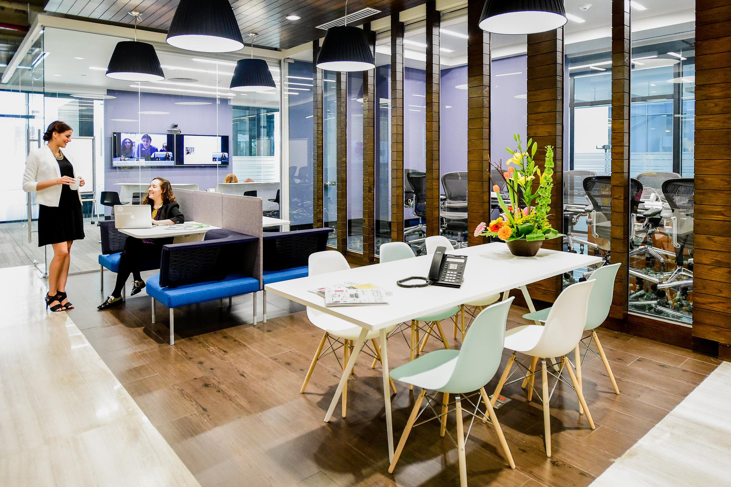 Renta-espacios-cowork-IOS-OFFICES-Cervantes-Saavedra