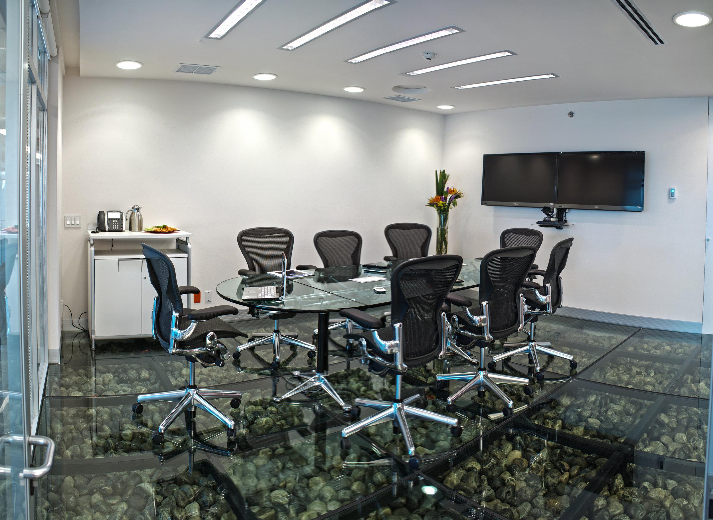 IOS OFFICES INSURGENTES SUR EXECUTIVE ROOM 1.jpg