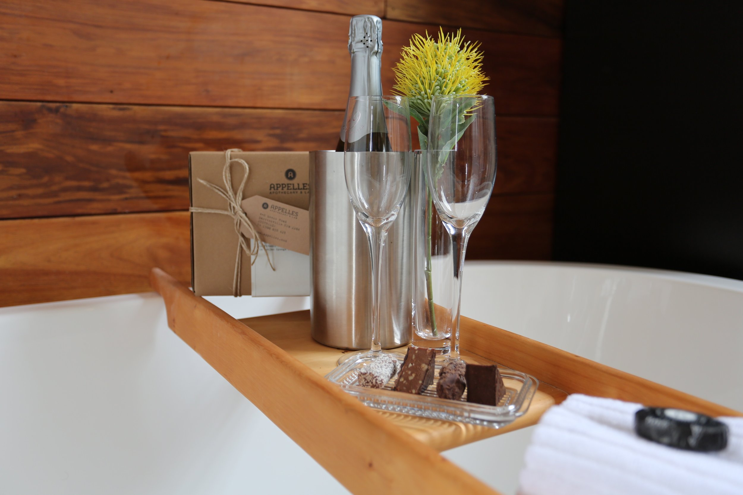 Sparkling Wine and Chocolates - So it's a Birthday or another special occasion and you want something in the room ready for your arrival.What's included?Premium Tasmanian Sparkling Wine A selection of Tasmanian Truffles and FudgeSparkling Wine and Chocolates: $60
