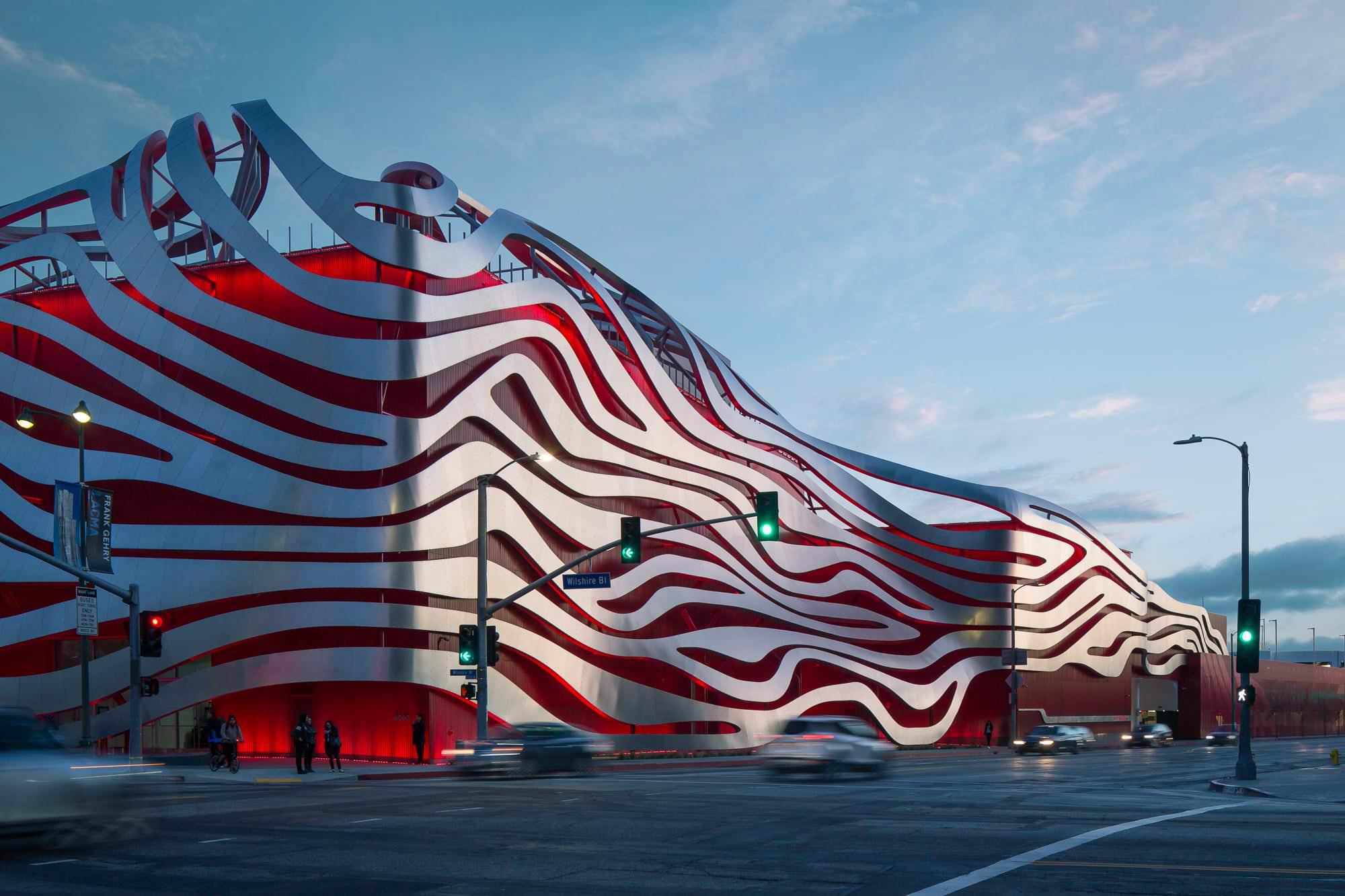 Petersen-Automotive-Museum-1.jpg