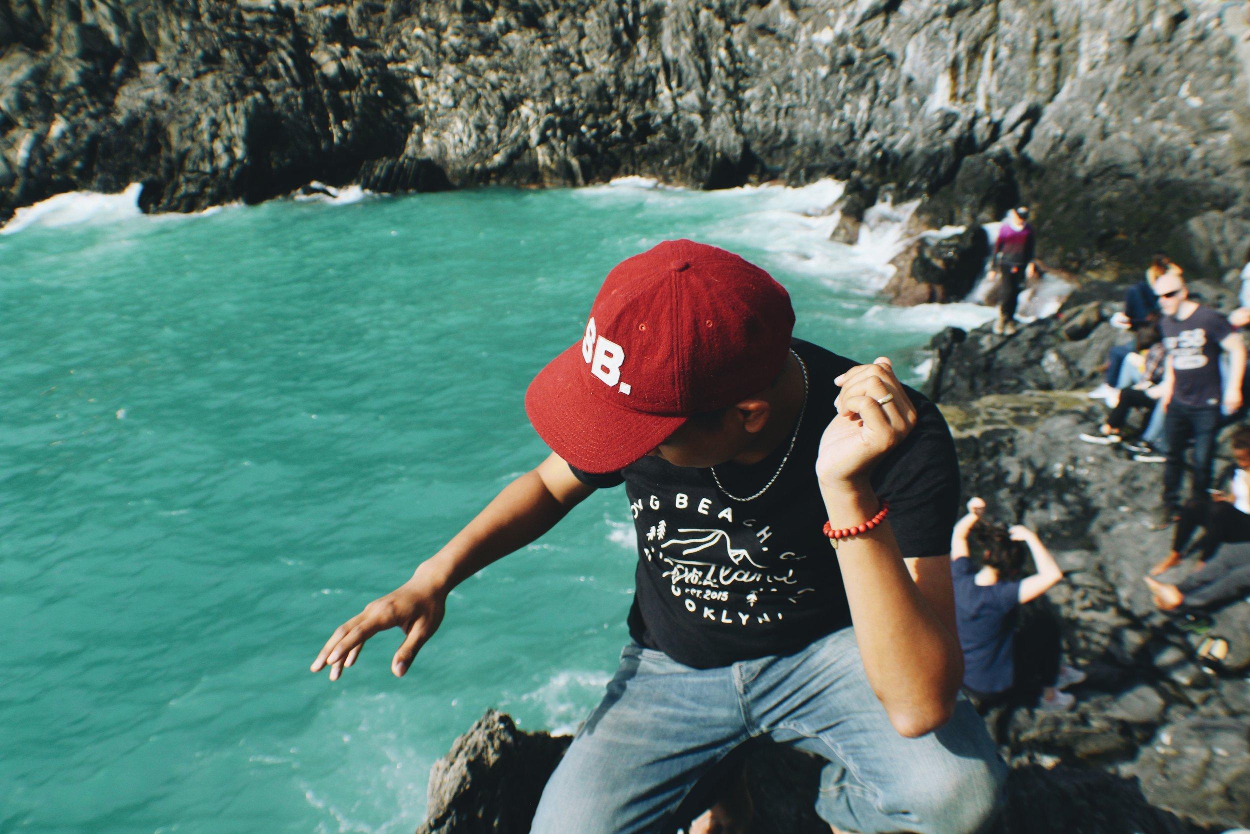 Cliffs of Manarola [1].jpg