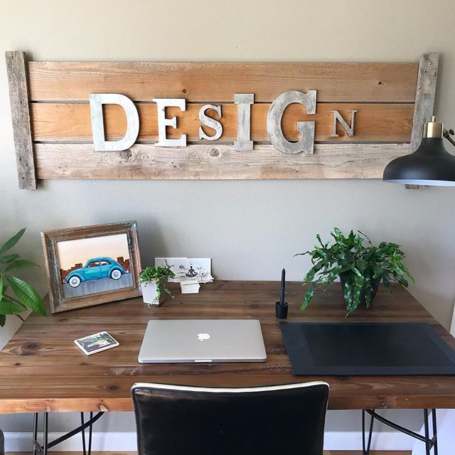 Today I thought it would be fun to share my office space with you. I recently did a desk update, and I have decorated it with things that I love and find inspiring. ✨ Who else needs an inspiring space to help them work and feel creative? 😀