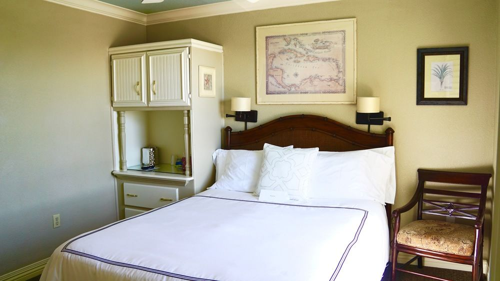 nevis room in capitola hotel
