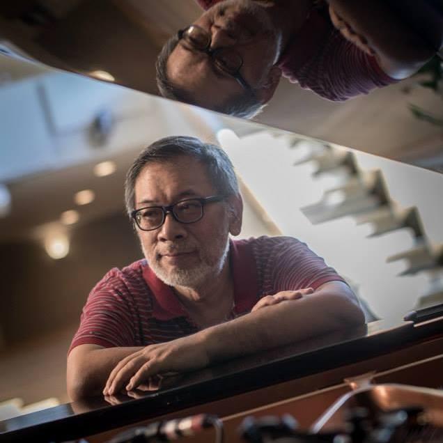 吉中鳴牧師 • 博士 - 著名音樂佈道家,媒體綠洲(MMO)機構總監及培訓中心之校監。吉牧師經常應邀於教會崇拜聚會中講道,並主講音樂事工、司琴及歌唱的聚會,足跡遍及東南亞、美洲及澳紐等地。他更擁有近三十年司琴的經驗,學生數以千計。目前已出版的作品已超過二百多首。吉牧師亦製作了「老調新彈鋼琴即興彈奏CD」一連四隻碟的專輯,希望可以令一些比較傳統的詩歌有煥然一新及現代的彈法。另外,亦是「只有感謝敬拜讚美CD」、「最美麗的名字是耶穌敬拜讚美CD」、「觸動我CD」、「來擁戴CD」、「渴慕祢CD」、「My Songs 1 靈修音樂專輯」的監製及策劃。另外,吉牧師更為香港多間神學院的崇拜學及敬拜讚美課程授課導師,包括:浸信會神學院、建道神學院、基督教事工學院、基立聖工學院、南亞路德會聖經學院、新曙光訓練學院等等。而比較多人認識之詩歌有:祢是王、天地讚美、祢許可、主是安息港、有誰可比、讚歌不停、渴慕祢等。