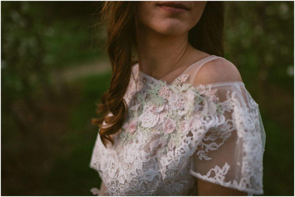 poroka-wedding-inspiration-spring-styled-session-sanjska-obleka-nika-grega-orchard-themed-destionation-photographer-slovenia-poročni-fotograf-slovenija-europe-boho-romantic-vintage 057.jpg