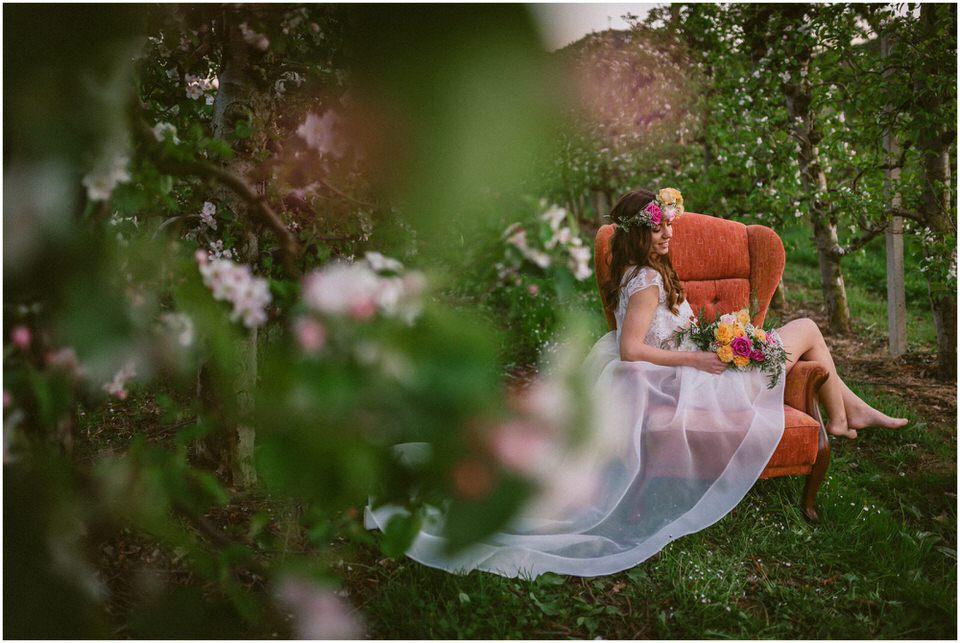 poroka-wedding-inspiration-spring-styled-session-sanjska-obleka-nika-grega-orchard-themed-destionation-photographer-slovenia-poročni-fotograf-slovenija-europe-boho-romantic-vintage 070.jpg