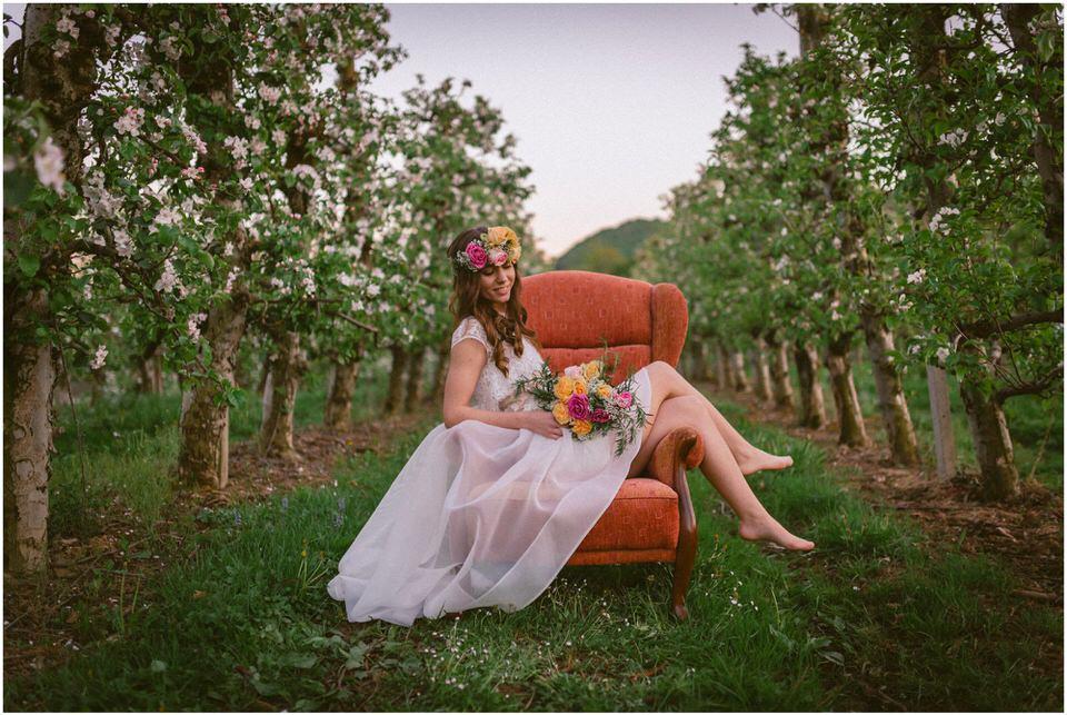 poroka-wedding-inspiration-spring-styled-session-sanjska-obleka-nika-grega-orchard-themed-destionation-photographer-slovenia-poročni-fotograf-slovenija-europe-boho-romantic-vintage 073.jpg