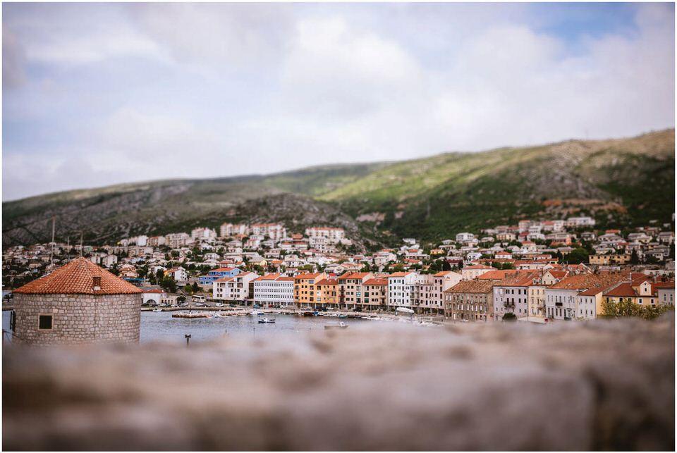03 poroka hrvaska senj pag jadran nika grega porocni fotograf poletje morje obala zaroka predporocno zarocno fotografiranje (1).jpg