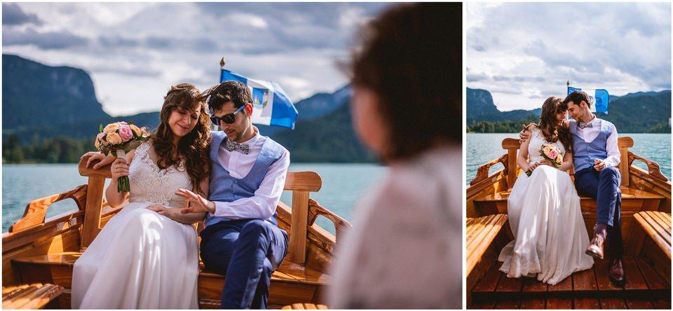 03 poroka bled otok porocni fotograf grega nika jezero maticni urad blejsko jezero pletna  (18).jpg