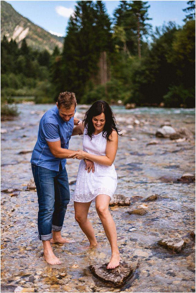 02 kranjska gora poroka porocni fotograf nika grega slap zelenci narava triglavski narodni park zaroka predporocno fotografiranje (10).jpg