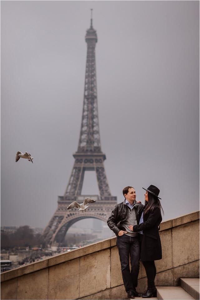 04 Paris tour eiffel tower engagement wedding anniversary honeymoon photographer photoshoot photosession sacre coer coffeshop  (2).jpg