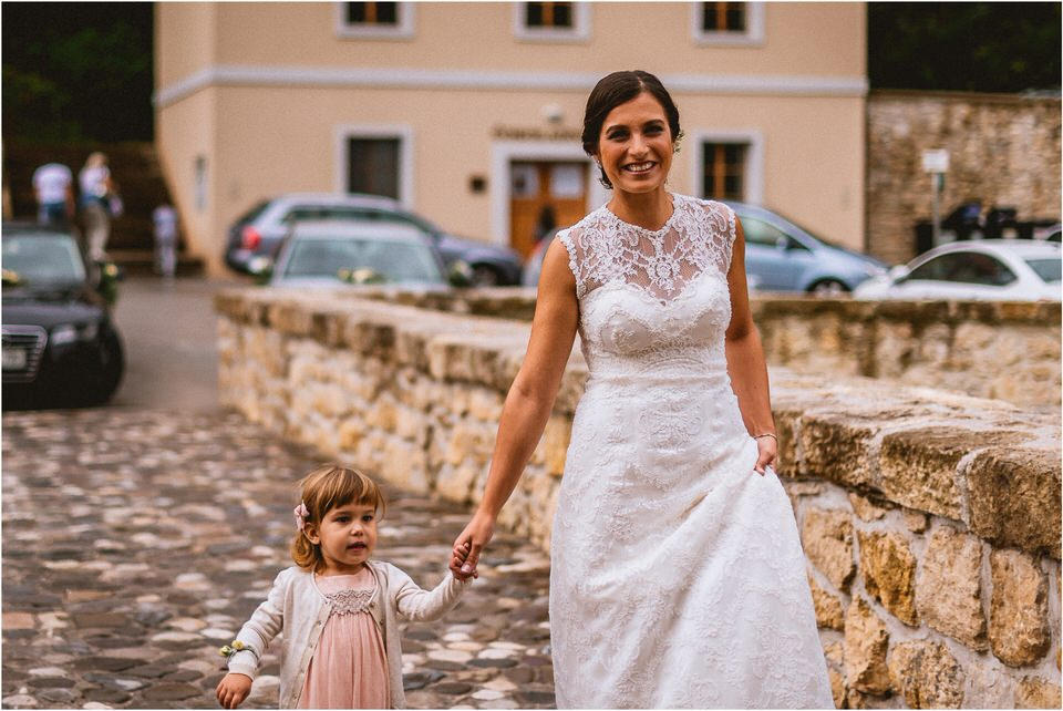 03 poroka v naravi tri lucke slovenija posavje krsko brezice sevnica rajhenburg grad rustikalna cipka romantika 001.jpg