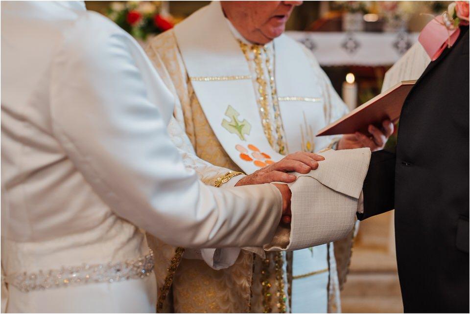 wedding slovenia dular kostanjek poroka porocni fotograf fotografiranje slovenia engagement rustic wedding romantic rustikalna poroka porocim se sentjernej 025.jpg