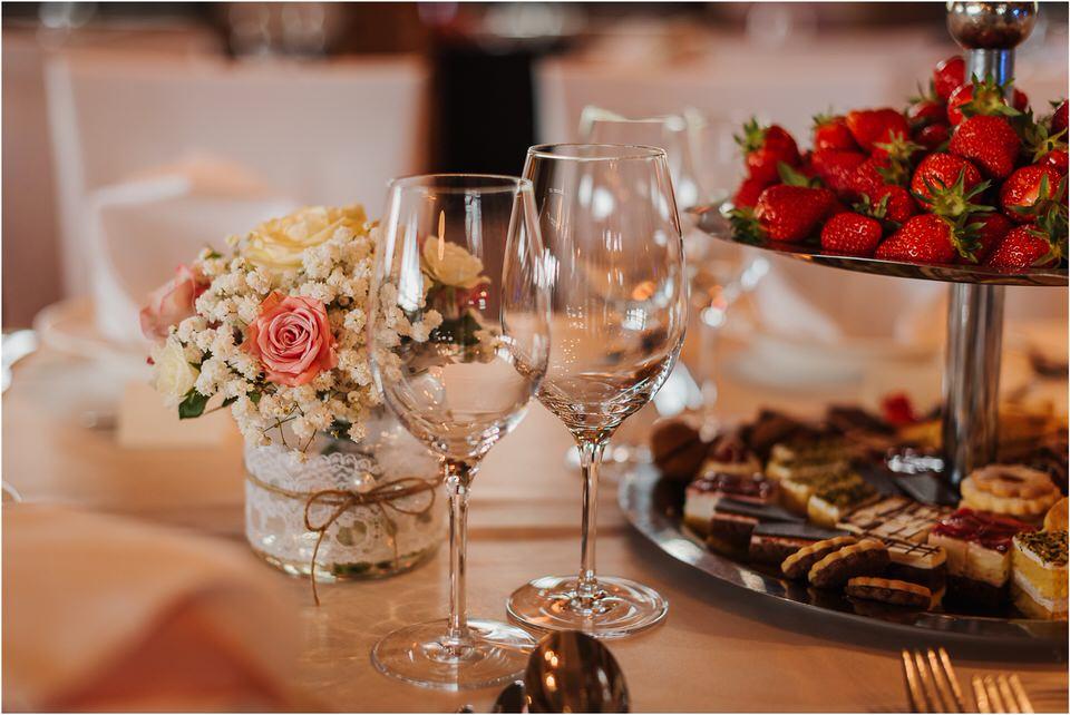 wedding slovenia dular kostanjek poroka porocni fotograf fotografiranje slovenia engagement rustic wedding romantic rustikalna poroka porocim se sentjernej 036.jpg