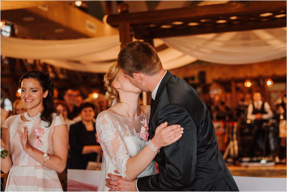 wedding slovenia dular kostanjek poroka porocni fotograf fotografiranje slovenia engagement rustic wedding romantic rustikalna poroka porocim se sentjernej 042.jpg