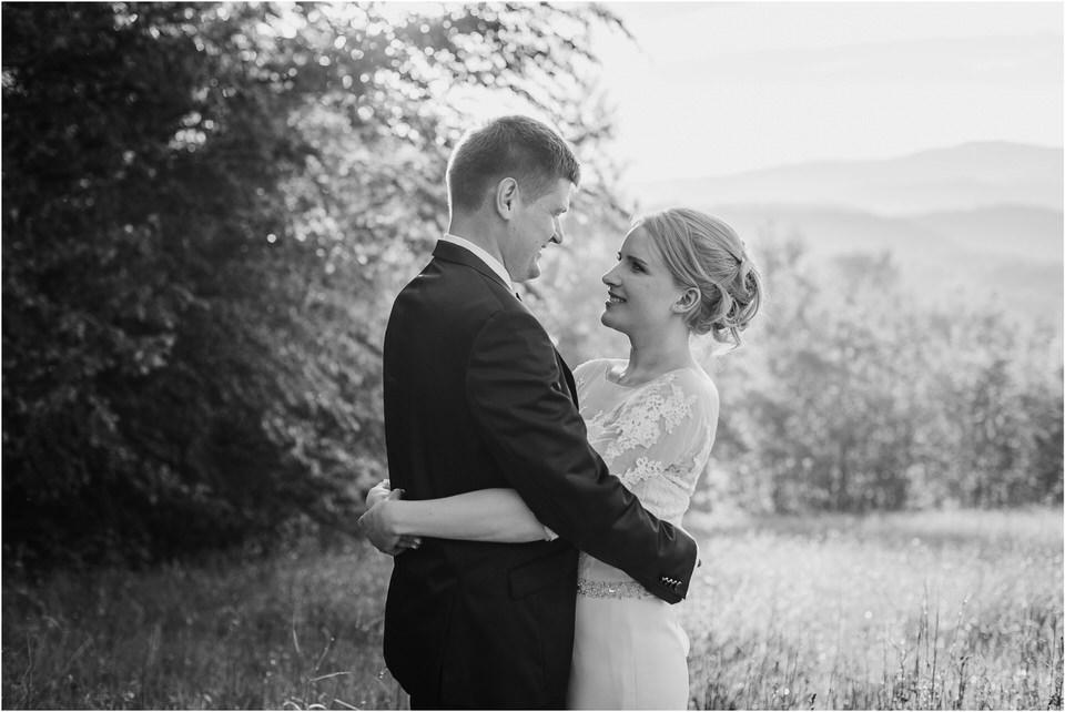 wedding slovenia dular kostanjek poroka porocni fotograf fotografiranje slovenia engagement rustic wedding romantic rustikalna poroka porocim se sentjernej 059.jpg
