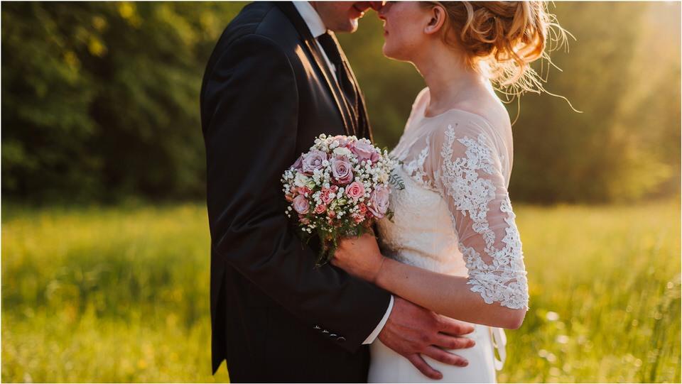 wedding slovenia dular kostanjek poroka porocni fotograf fotografiranje slovenia engagement rustic wedding romantic rustikalna poroka porocim se sentjernej 064.jpg
