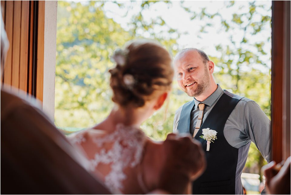 poroka gorenjska wedding slovenia photographer destionation kranj kamnik kamniska bistrica repnik penzion fotografiranje fotograf sanjska obleka 0011.jpg