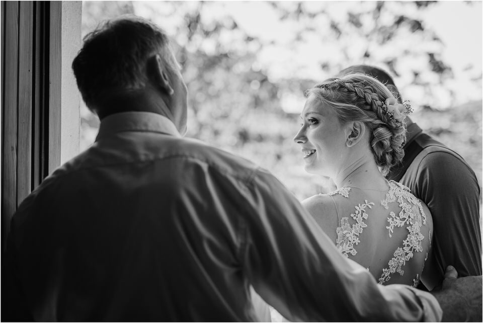 poroka gorenjska wedding slovenia photographer destionation kranj kamnik kamniska bistrica repnik penzion fotografiranje fotograf sanjska obleka 0012.jpg