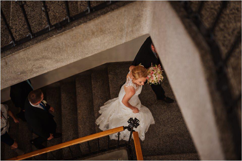 poroka gorenjska wedding slovenia photographer destionation kranj kamnik kamniska bistrica repnik penzion fotografiranje fotograf sanjska obleka 0015.jpg