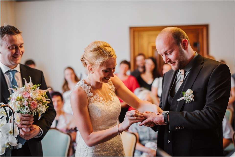 poroka gorenjska wedding slovenia photographer destionation kranj kamnik kamniska bistrica repnik penzion fotografiranje fotograf sanjska obleka 0018.jpg