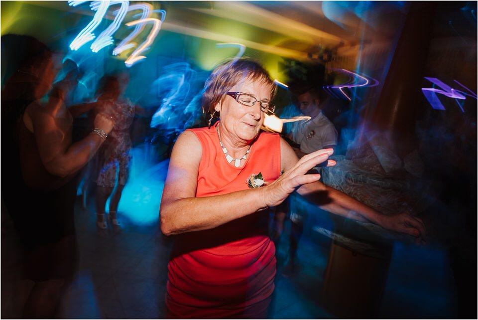 poroka gorenjska wedding slovenia photographer destionation kranj kamnik kamniska bistrica repnik penzion fotografiranje fotograf sanjska obleka 0073.jpg