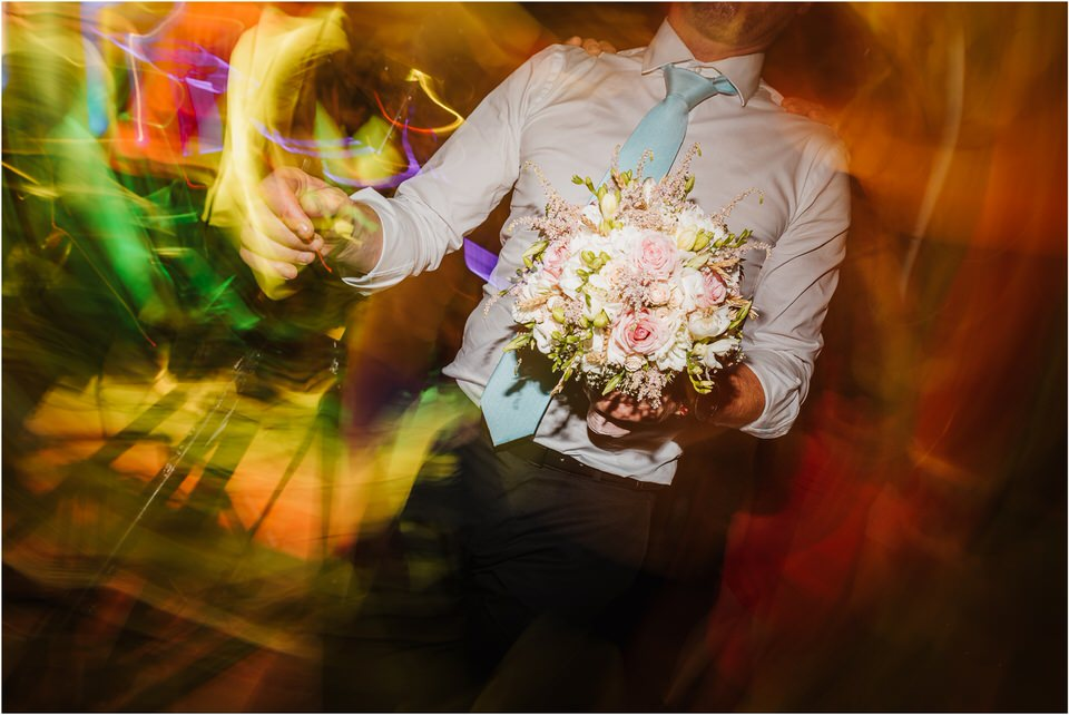 poroka gorenjska wedding slovenia photographer destionation kranj kamnik kamniska bistrica repnik penzion fotografiranje fotograf sanjska obleka 0074.jpg