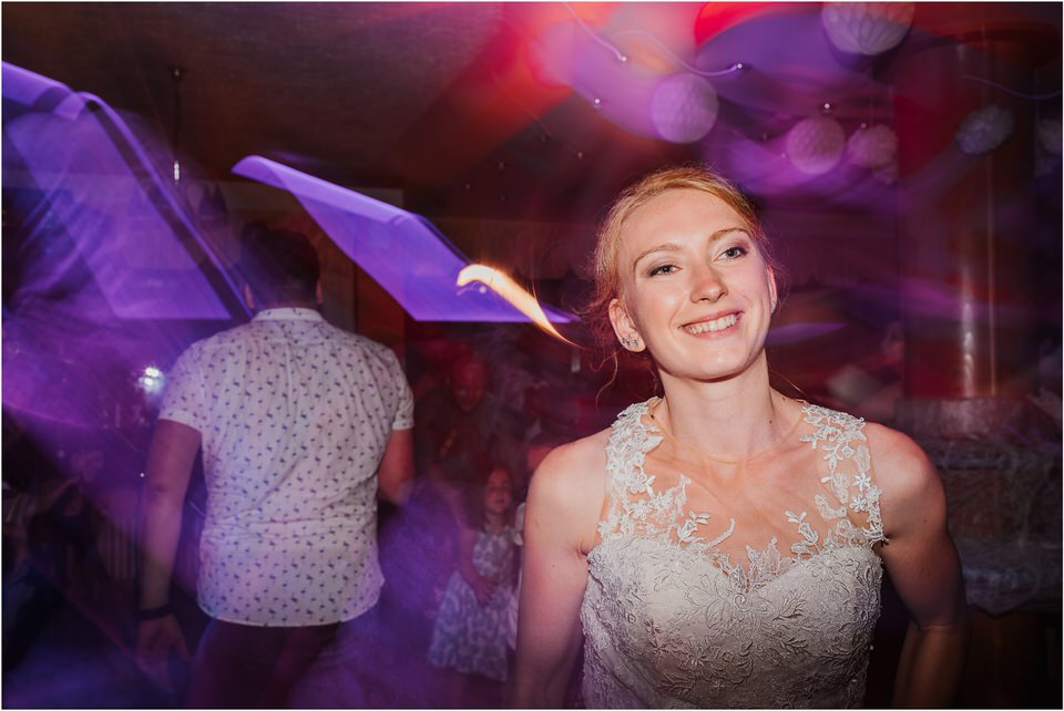 poroka gorenjska wedding slovenia photographer destionation kranj kamnik kamniska bistrica repnik penzion fotografiranje fotograf sanjska obleka 0078.jpg