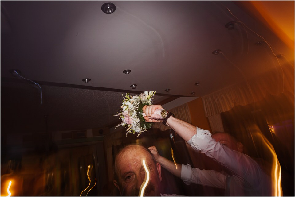 poroka gorenjska wedding slovenia photographer destionation kranj kamnik kamniska bistrica repnik penzion fotografiranje fotograf sanjska obleka 0082.jpg