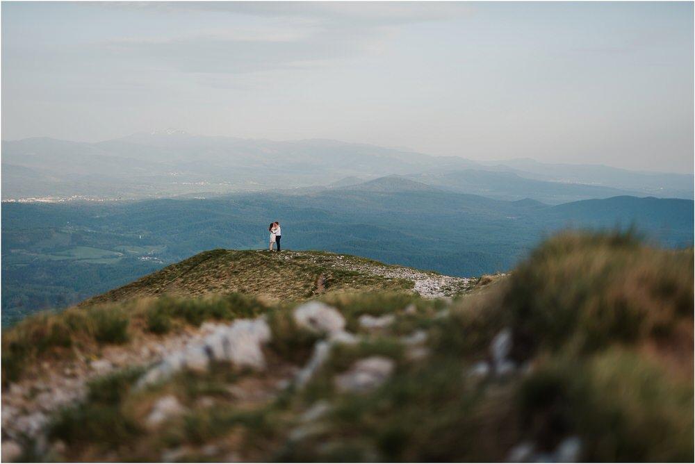 nanos slovenia mountain engagement poroka zaroka zarocno fotografiranje boho wedding chic nika grega slovenia slovenija 0038.jpg