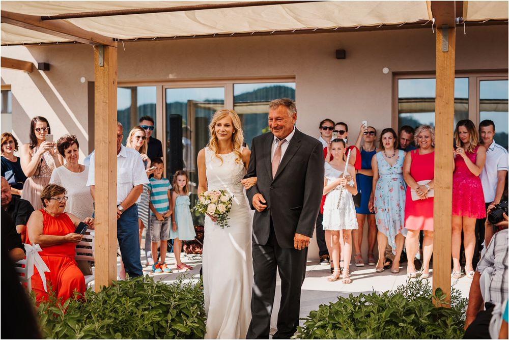 tri lucke slovenija krsko posavje poroka porocni fotograf fotografiranje elegantna poroka vinograd classy elegant wedding slovenia 0041.jpg
