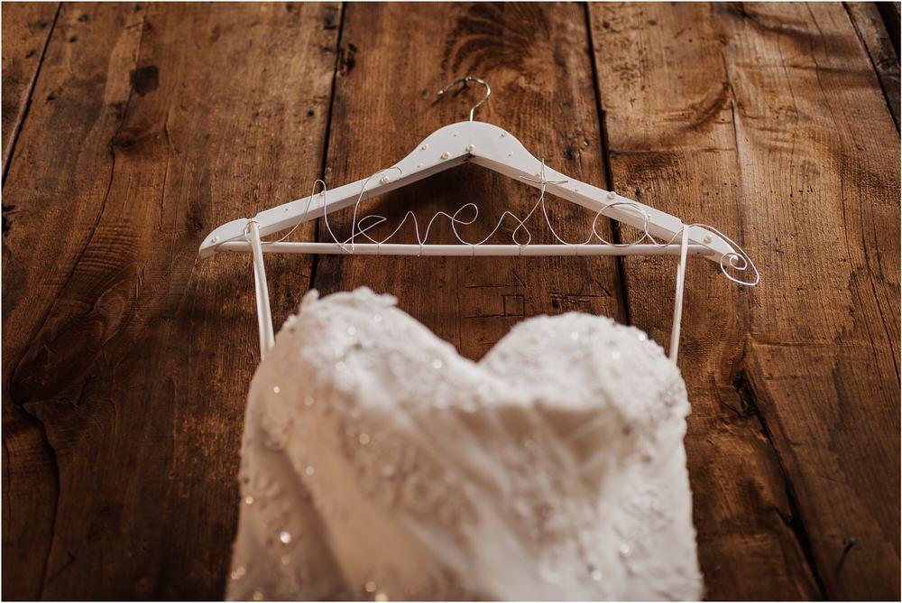 zicka kartuzija poroka porocni fotograf fotografija luka in ben loce elegantna poroka slovenski porocni fotograf  0006.jpg
