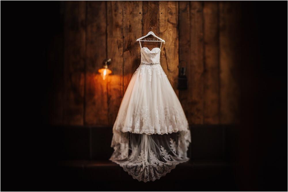 zicka kartuzija poroka porocni fotograf fotografija luka in ben loce elegantna poroka slovenski porocni fotograf  0007.jpg