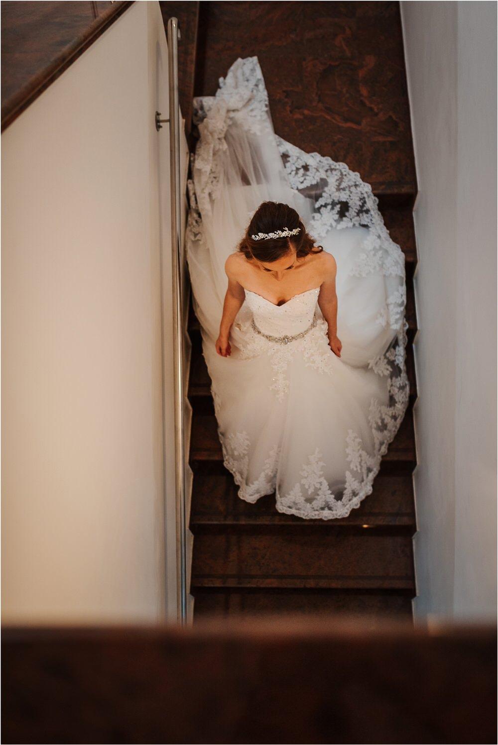 zicka kartuzija poroka porocni fotograf fotografija luka in ben loce elegantna poroka slovenski porocni fotograf  0029.jpg