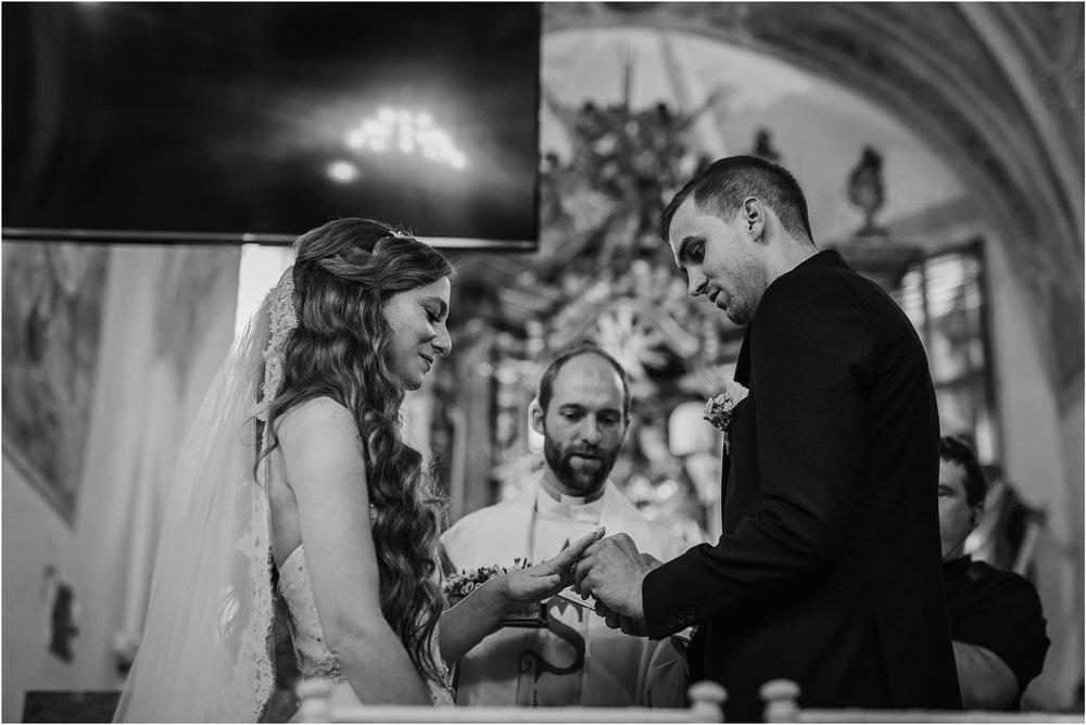 zicka kartuzija poroka porocni fotograf fotografija luka in ben loce elegantna poroka slovenski porocni fotograf  0039.jpg