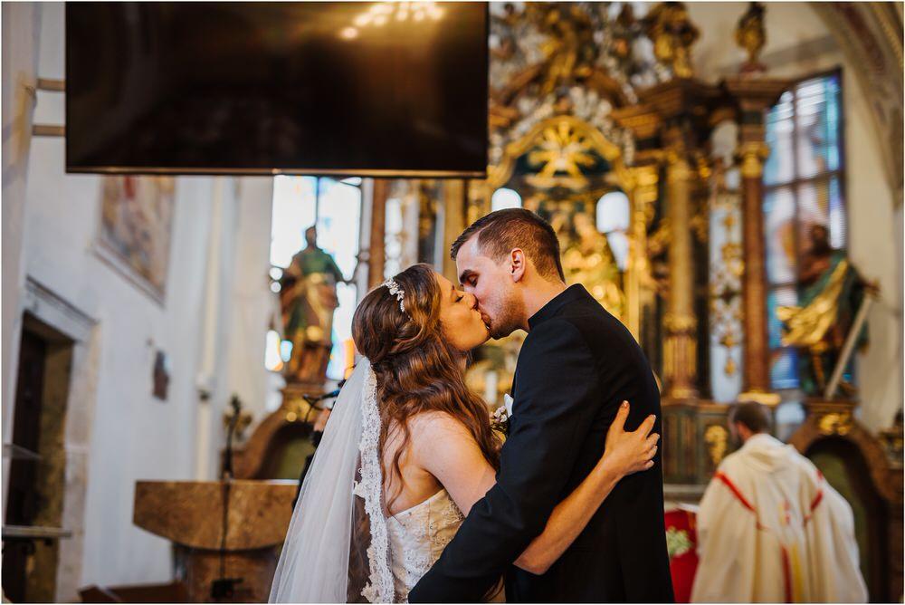 zicka kartuzija poroka porocni fotograf fotografija luka in ben loce elegantna poroka slovenski porocni fotograf  0040.jpg