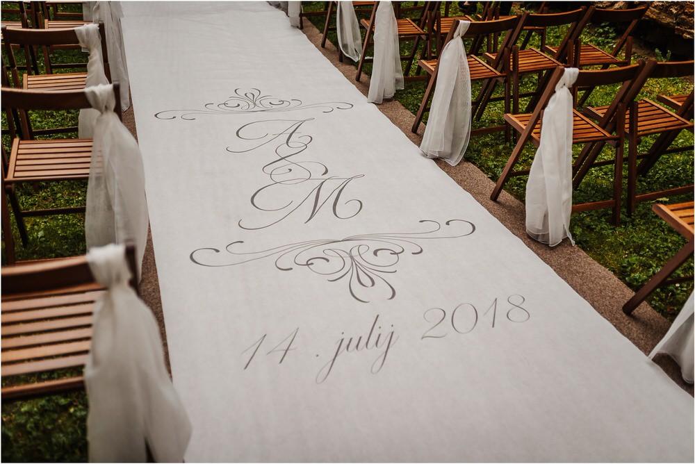 zicka kartuzija poroka porocni fotograf fotografija luka in ben loce elegantna poroka slovenski porocni fotograf  0053.jpg