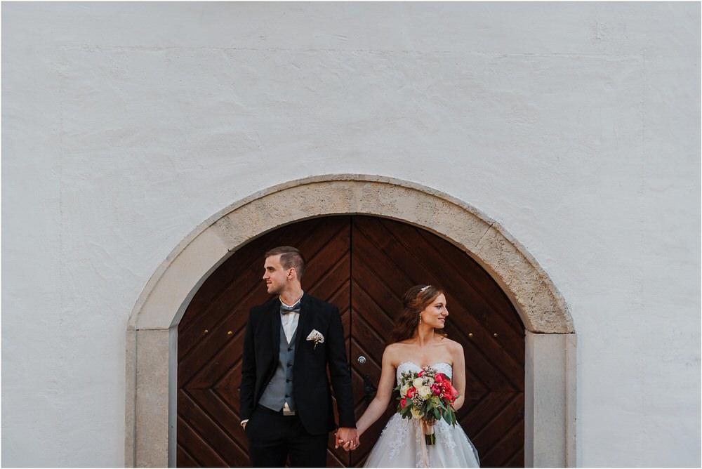 zicka kartuzija poroka porocni fotograf fotografija luka in ben loce elegantna poroka slovenski porocni fotograf  0070.jpg