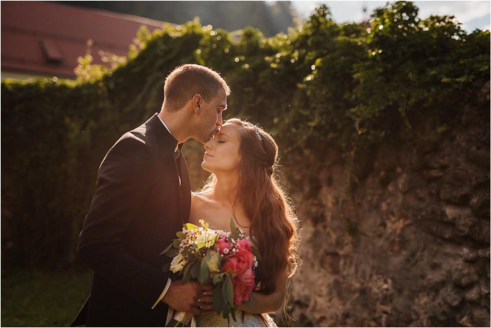 zicka kartuzija poroka porocni fotograf fotografija luka in ben loce elegantna poroka slovenski porocni fotograf  0075.jpg