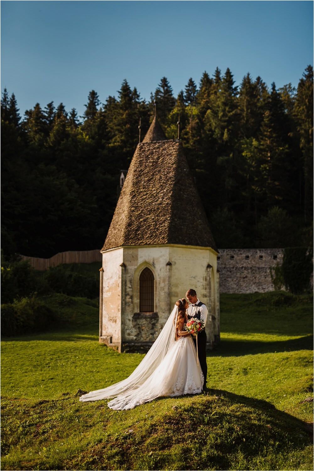 zicka kartuzija poroka porocni fotograf fotografija luka in ben loce elegantna poroka slovenski porocni fotograf  0080.jpg