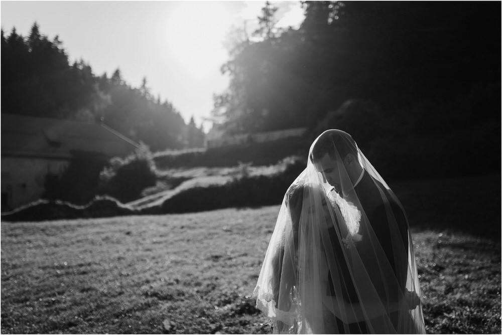zicka kartuzija poroka porocni fotograf fotografija luka in ben loce elegantna poroka slovenski porocni fotograf  0095.jpg