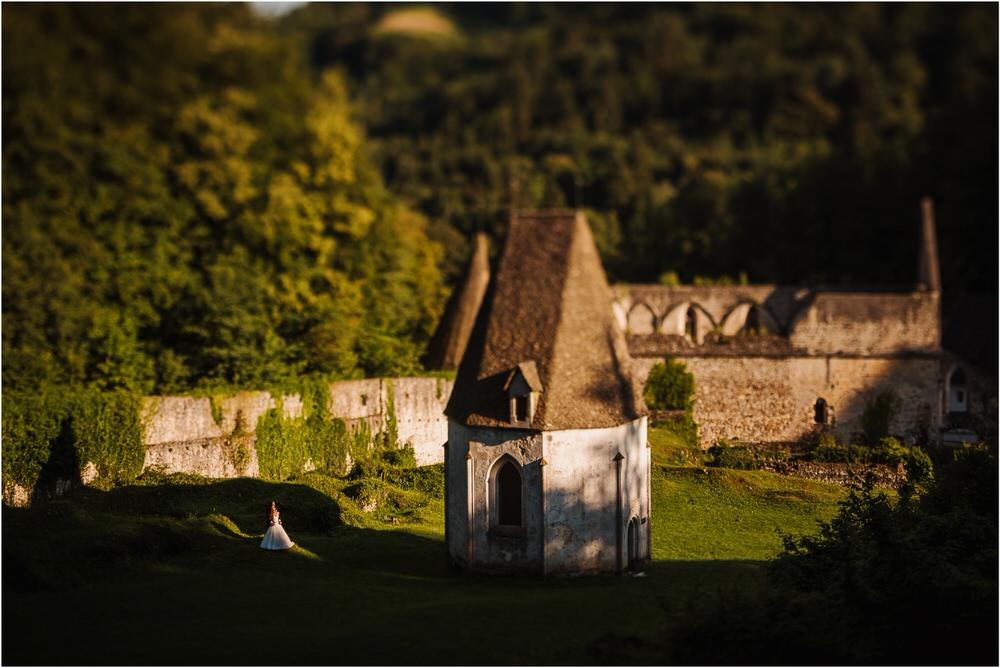zicka kartuzija poroka porocni fotograf fotografija luka in ben loce elegantna poroka slovenski porocni fotograf  0096.jpg