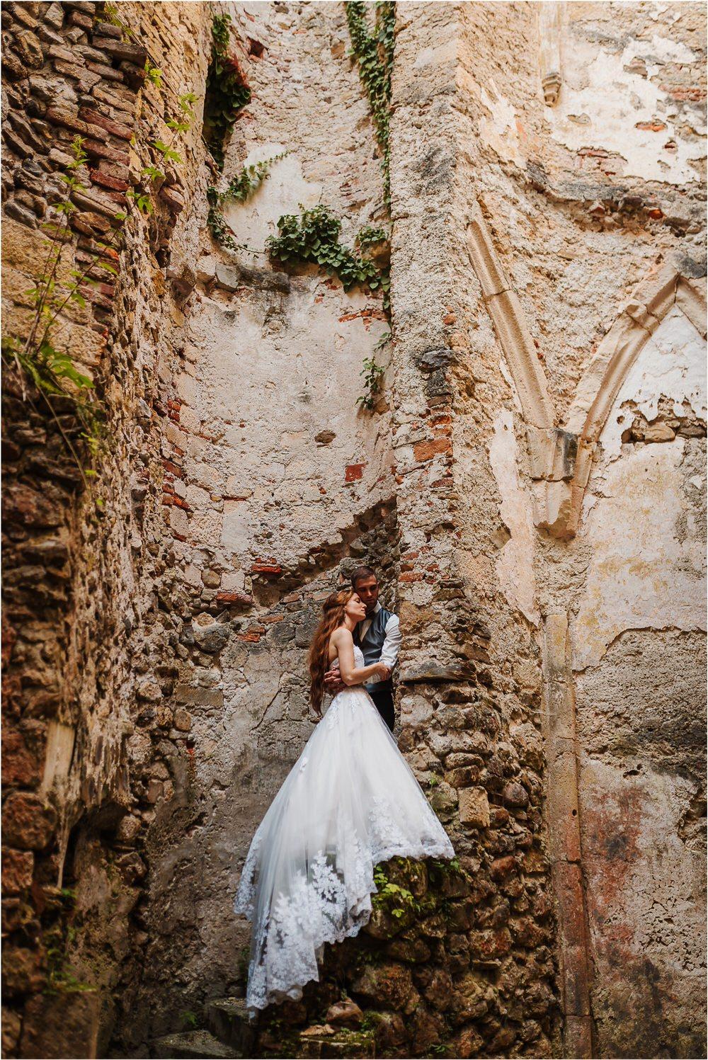 zicka kartuzija poroka porocni fotograf fotografija luka in ben loce elegantna poroka slovenski porocni fotograf  0098.jpg