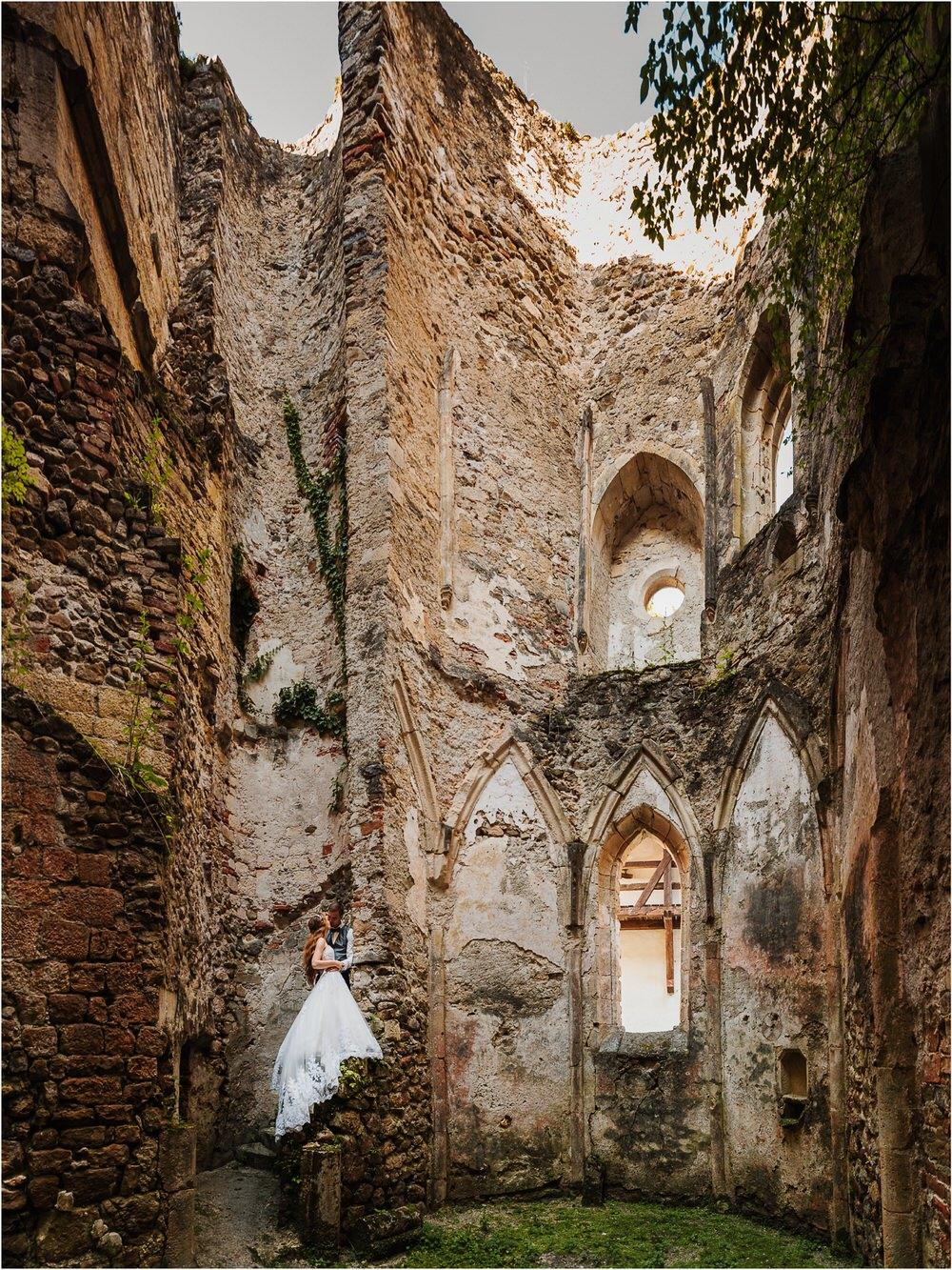 zicka kartuzija poroka porocni fotograf fotografija luka in ben loce elegantna poroka slovenski porocni fotograf  0099.jpg
