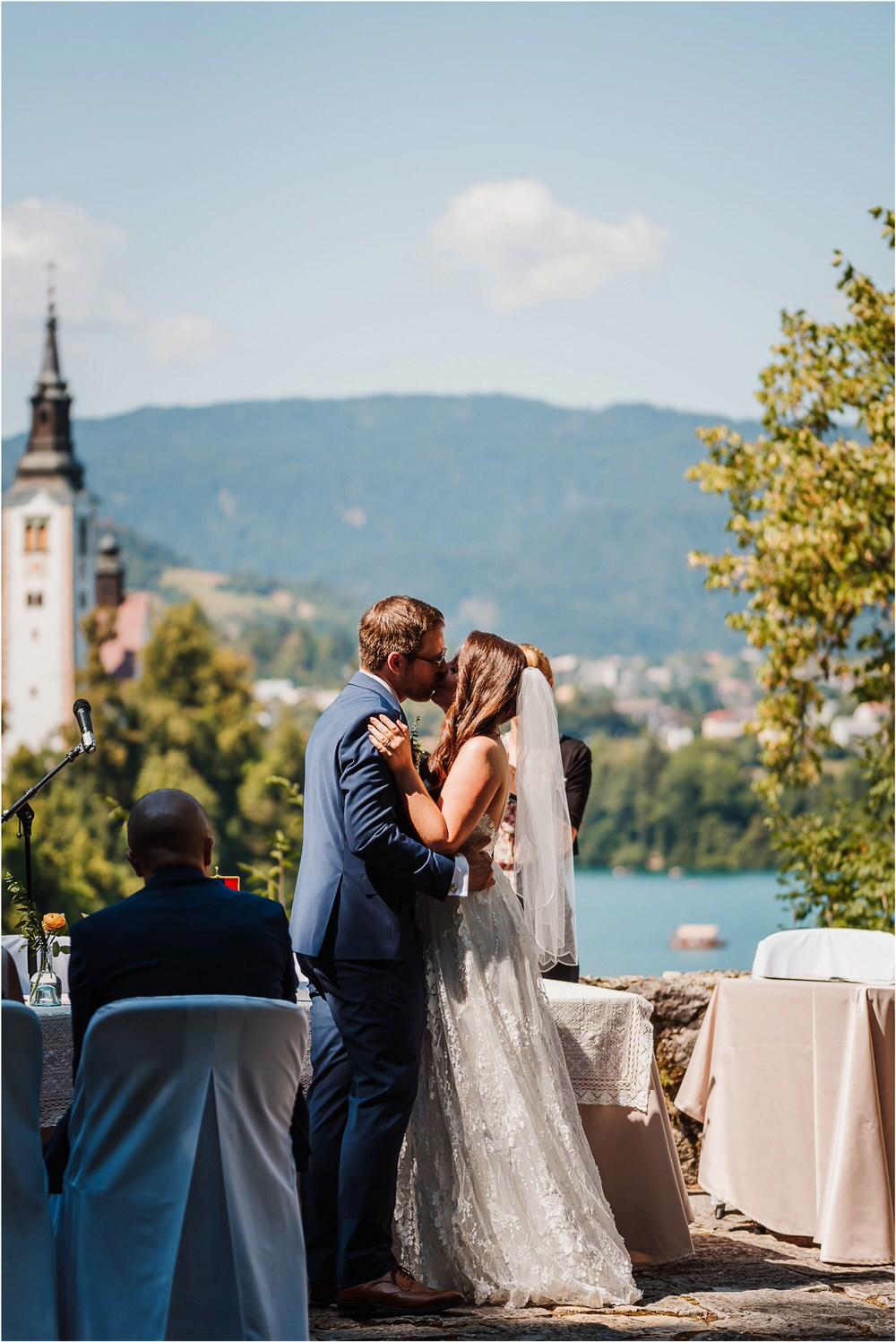 lake bled slovenia wedding vila bled sanjski sopek bled castle ceremony outdoor romantic wedding photographer photography natural candid bright 0058.jpg