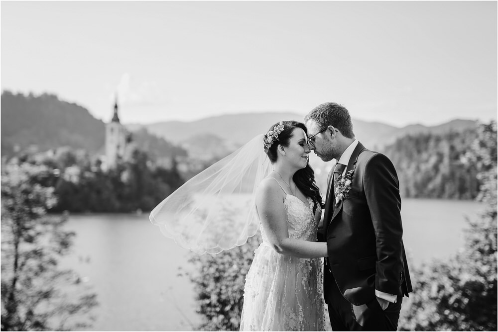 lake bled slovenia wedding vila bled sanjski sopek bled castle ceremony outdoor romantic wedding photographer photography natural candid bright 0123.jpg