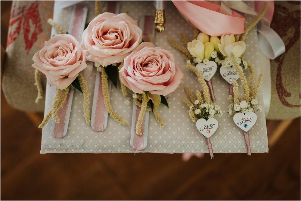 skedenj poroka porocni fotograf fotografiranje elegantna poroka rustikalna poroka pod kozolcem pcakes velesovo mdetail nika grega 0017.jpg